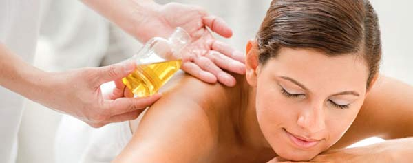 massage-voi-tinh-dau